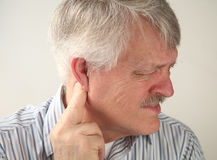 runt om örat smärta Royaltyfri Fotografi