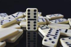 runt om domino fördubbla fallna sex Fotografering för Bildbyråer