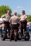 runt om festival få polissegways för att använda arkivbild
