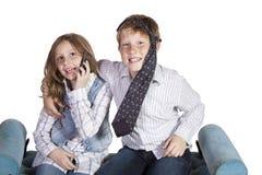 runt om goofing syster för broder Fotografering för Bildbyråer