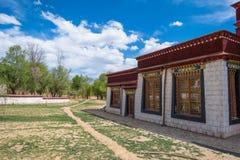 Runt om kloster i Tibet Arkivbild
