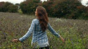 runt om nätt vända för flicka arkivfilmer