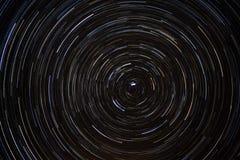 runt om norr polarisstjärnatrails Royaltyfri Bild