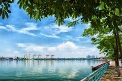 Runt om på den västra sjön - Hanoi Royaltyfri Bild