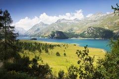 Runt om Sils sjön - Schweiz (Europa) arkivbilder
