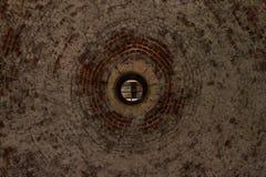 Runt tegelstenvalv med hålet för ljus i den Angera fästningen Arkivbilder