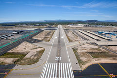 Runway 21. On approach to Runway 21 at Tucson International Airport stock images