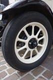 Ruota di automobile d'annata Fotografie Stock Libere da Diritti