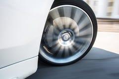Ruota di automobile di Spining fotografia stock