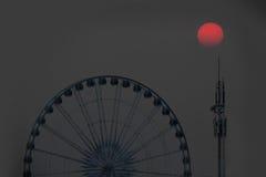 Ruota di Ferris al tramonto Fotografie Stock Libere da Diritti