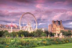 Ruota di ferris del Louvre fotografie stock libere da diritti