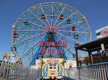 Ruota di meraviglia al parco di divertimenti di Coney Island Immagine Stock Libera da Diritti