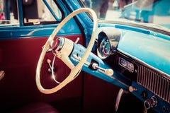Ruota ed interno di plastica di vecchia automobile sovietica Immagine Stock