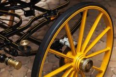 Ruota gialla del trasporto del cavallo con il freno a disco Fotografia Stock Libera da Diritti
