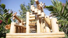 Ruota idraulica di bambù video d archivio