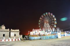 Ruota panoramica alla notte, Satara, maharashtra, India fotografia stock
