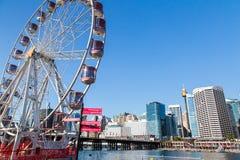 Ruota panoramica a Darling Harbour fotografia stock libera da diritti