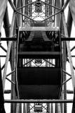 Ruota panoramica dell'attrazione della cabina nel parco fotografia stock libera da diritti