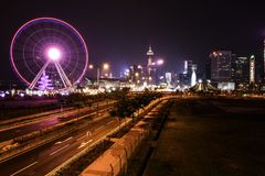 Ruota panoramica di Hong Kong alla notte fotografia stock libera da diritti