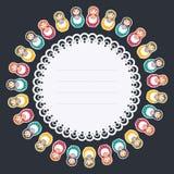 Ruota rotonda decorativa del pensionante delle bambole russe con uno spazio del testo - illustrazione piana di vettore di stile s Immagini Stock Libere da Diritti