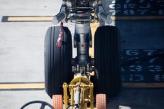 Ruote dell'aeroplano del passeggero di Delta Airlines Fotografie Stock