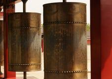 Ruote di preghiera buddisti bronzee Fotografia Stock