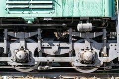 Ruote di vecchio locomotiver e gli elementi dell'azionamento immagine stock