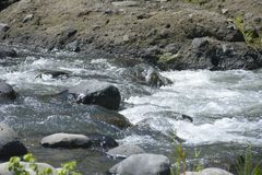 Ruparan河位于barangay Ruparan, Digos市,南达沃省,菲律宾 免版税库存图片