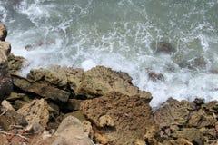 Rupe al mare Immagini Stock