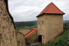 Rupea fästning (medeltida hus) fotografering för bildbyråer