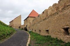 Rupea fästning (väggar) - Transylvania, Rumänien royaltyfri foto