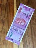 2000 rupieanmärkning royaltyfria bilder