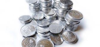 Rupiemünzen auf weißem Hintergrund Stockfotos