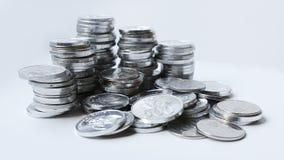 Rupiemünzen auf weißem Hintergrund Lizenzfreie Stockfotos