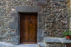 RUPIT,卡塔龙尼亚,西班牙2016年4月:中世纪镇的看法 图库摄影