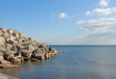 Ruptura da água da rocha Fotografia de Stock Royalty Free
