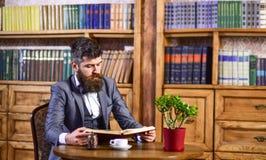 Ruptura de café, conceito do lazer Educação e inteligência imagens de stock