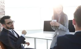 A ruptura de café da equipe do negócio, relaxa o conceito foto de stock royalty free