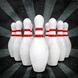 Rupturas da bola de boliches que estão os pinos Estilo do Grunge Foto de Stock Royalty Free