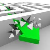Rupturas verdes da seta através das paredes do labirinto