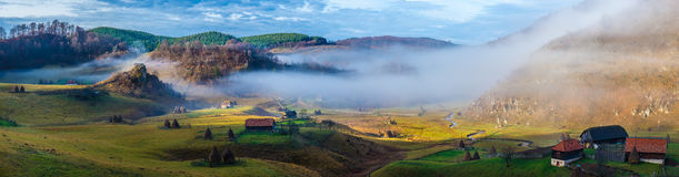 Rural mountain landscape in autumn morning - Fundatura Ponorului, Romania Royalty Free Stock Images