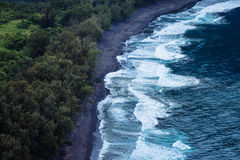 Rural ocean coastline with rough waves, Hawaii Royalty Free Stock Photography