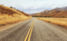Rural road to Kings Canyon national park, USA Stock Photography