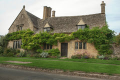 Rural stone cottage Royalty Free Stock Photos