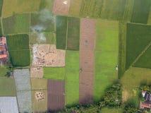 Rurale su fuori città per area di agricoltura immagini stock