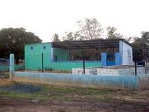 Rurban-Auftrag-Häuser im Dorf, zum der unterschiedlichen Art der Abfälle zu speichern Lizenzfreies Stockbild