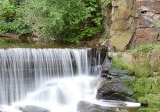 Rusat upp vattenfallet Royaltyfri Fotografi