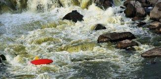 rusavatten för kayaker arkivbild