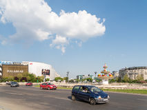 Rush Hour In Union Square (Piata Unirii) Of Bucharest Royalty Free Stock Photos