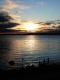 Rusia - Arkhangelsk - río septentrional de Dvina - puesta del sol del otoño Fotografía de archivo libre de regalías